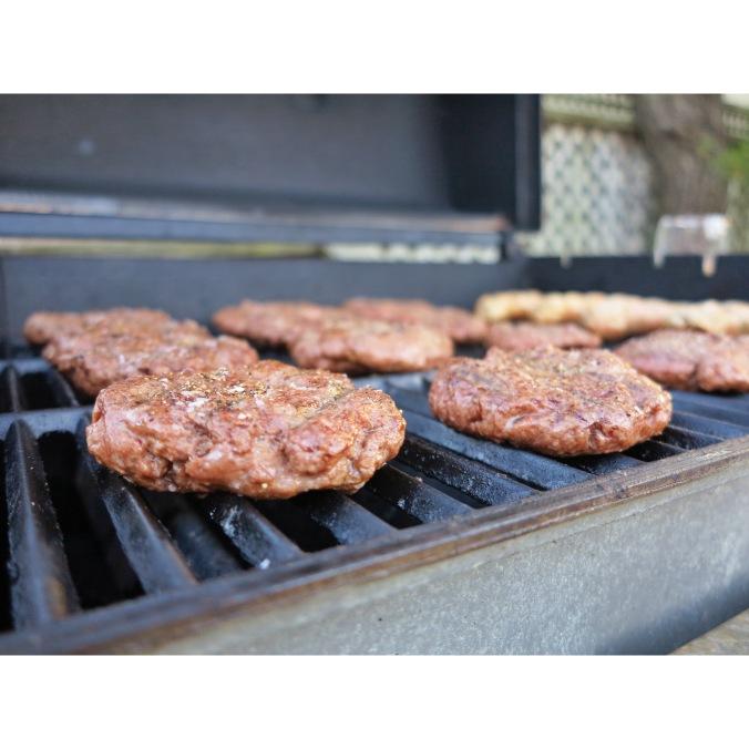 grillin' burgers