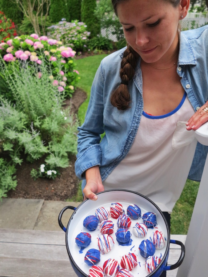 Fourth of July Cake Balls | apinchofthis.nyc