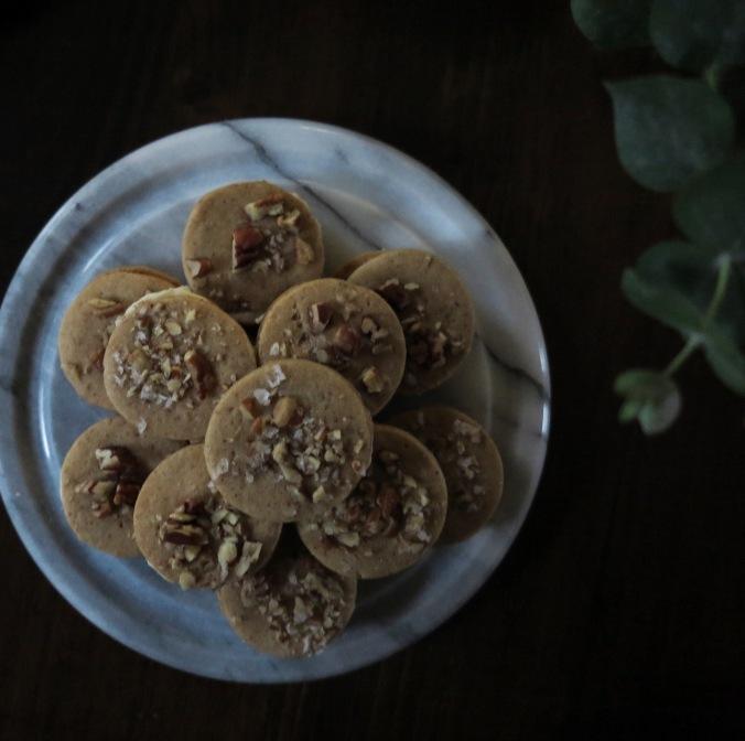 Maple Pecan Sandwich Cookies | apinchofthis.nyc