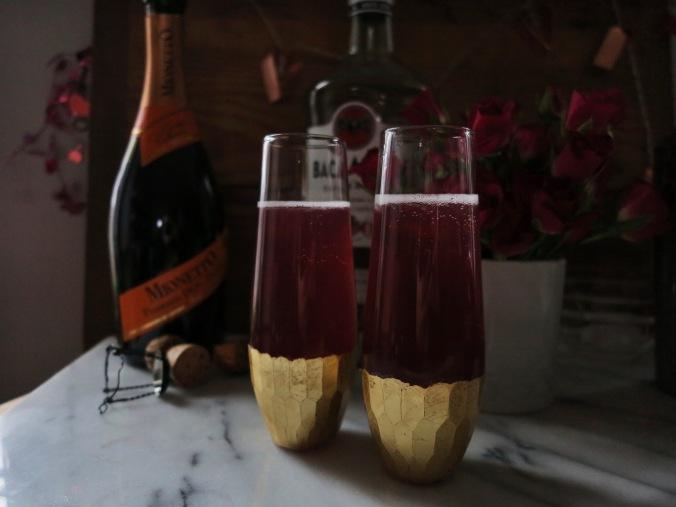 Raspberry Kiss Cocktail | apinchofthis.nyc